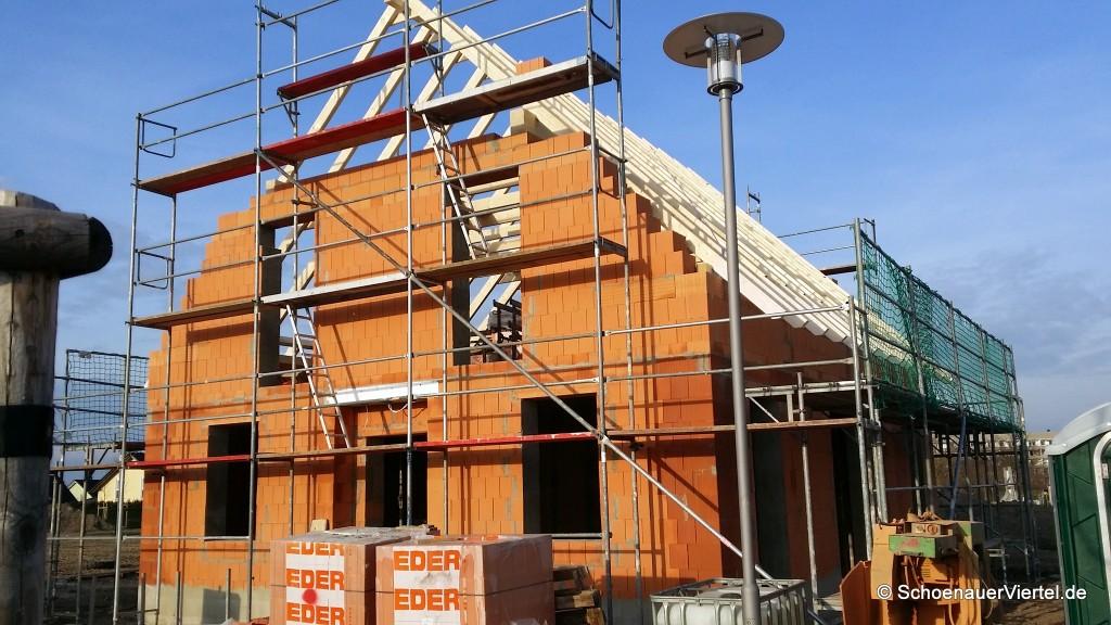 Dachstuhl mit Holz