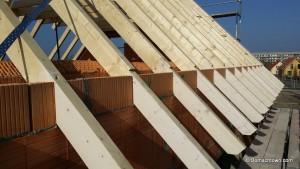 Mauer zwischen Dachsparen