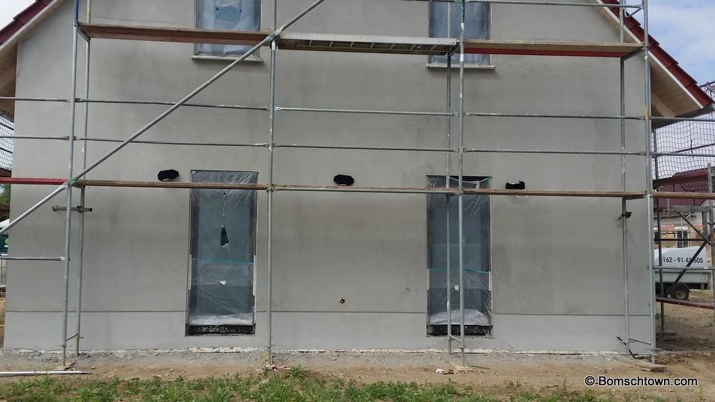 Modell der Faro Future und Ancora an Hauswand