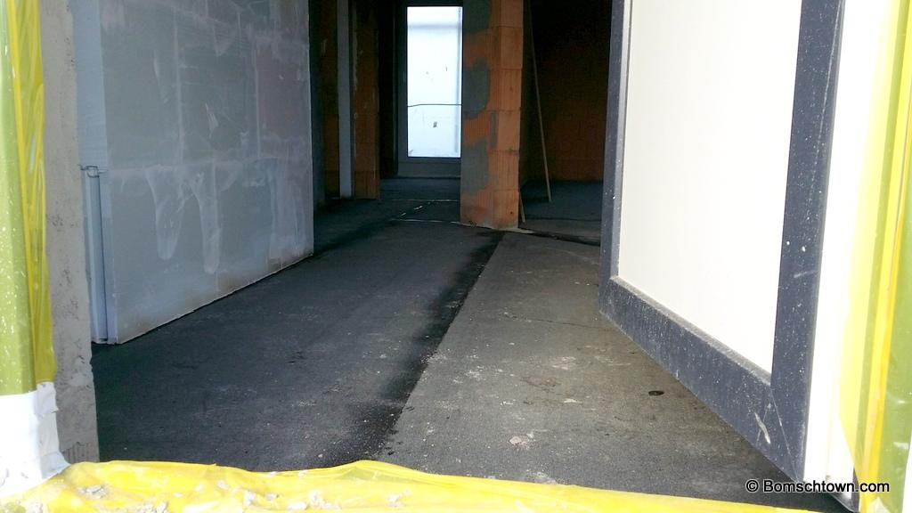 Bitumenschicht im Inneren des Hauses