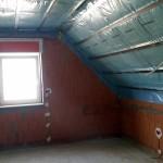 Gedaemmtes Dach im Schlafzimmer