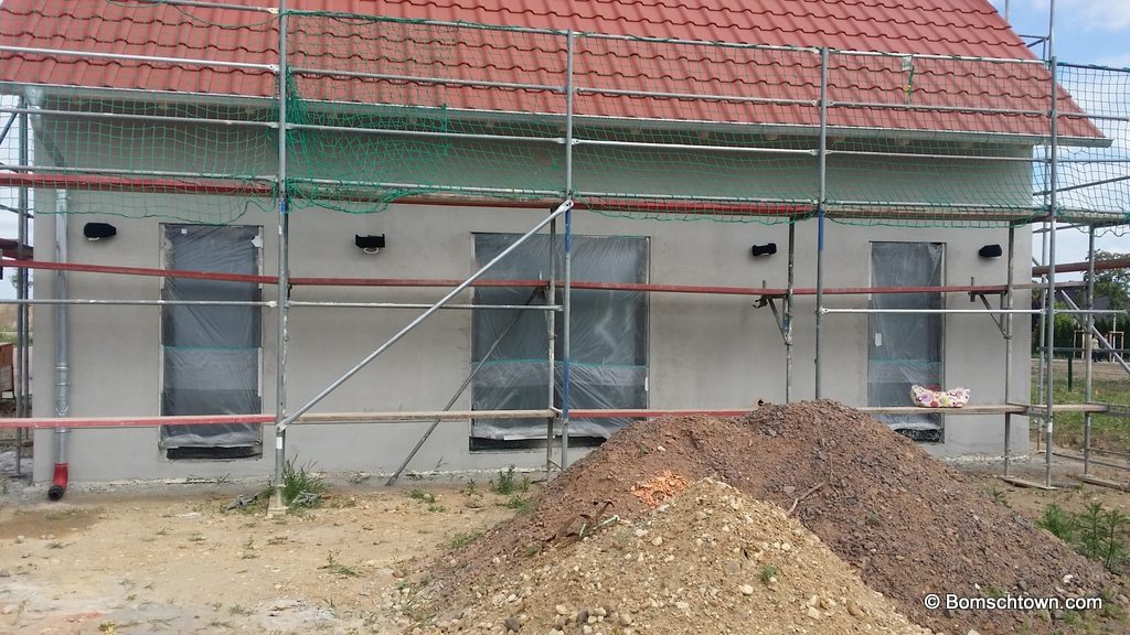Lampentest an Hauswand