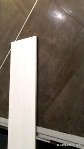 quadratische Bodenfliese, längliche Wandfliese