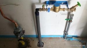 Gaspumpe mit Zuleitung verbunden