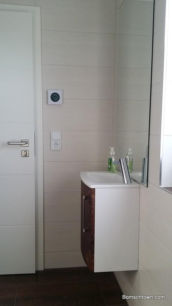 So sieht es aus, wenn man auf dem WC sitzt ;)