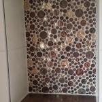 runde Mosaikfliesen als Badablage