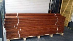 Eine Palette: Bambusdielen