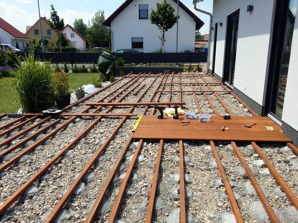Terrassenbau › Hausbau in Bomschtown