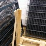 Zaun und Tor auf Palette