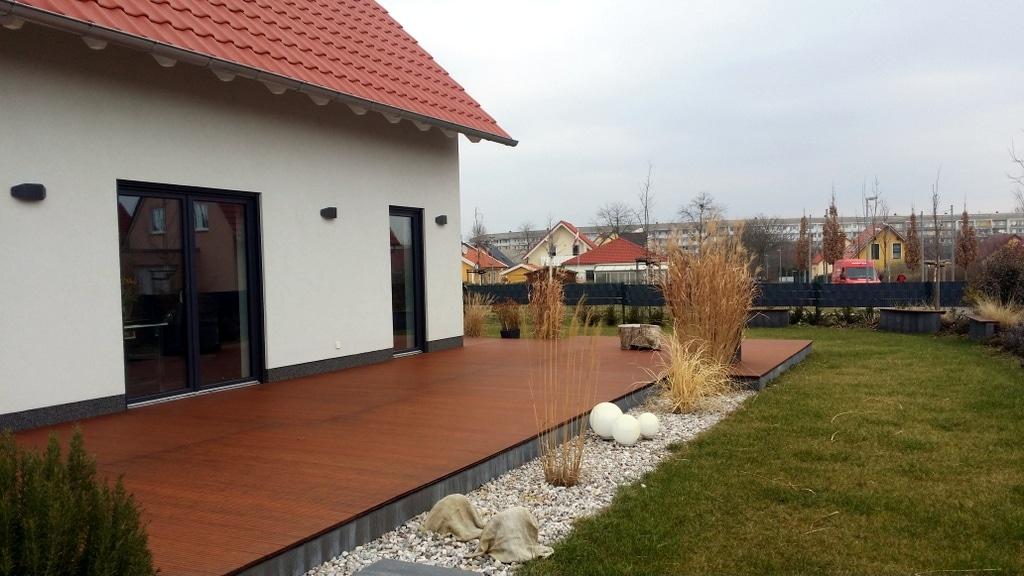 Terrasse von Bomschtown ohne Tisch