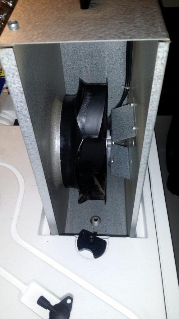 Abluftventilator im Kasten der Lüftungsanlage P310 von Pluggit