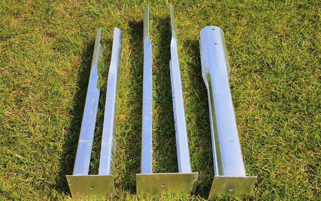 Pfostenschuhe: 2x 900mm und 1x 1100mm für Rundhölzer