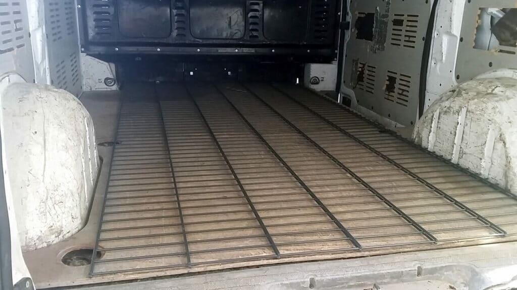 Transport Doppelstabmatten Zaun im Transporter