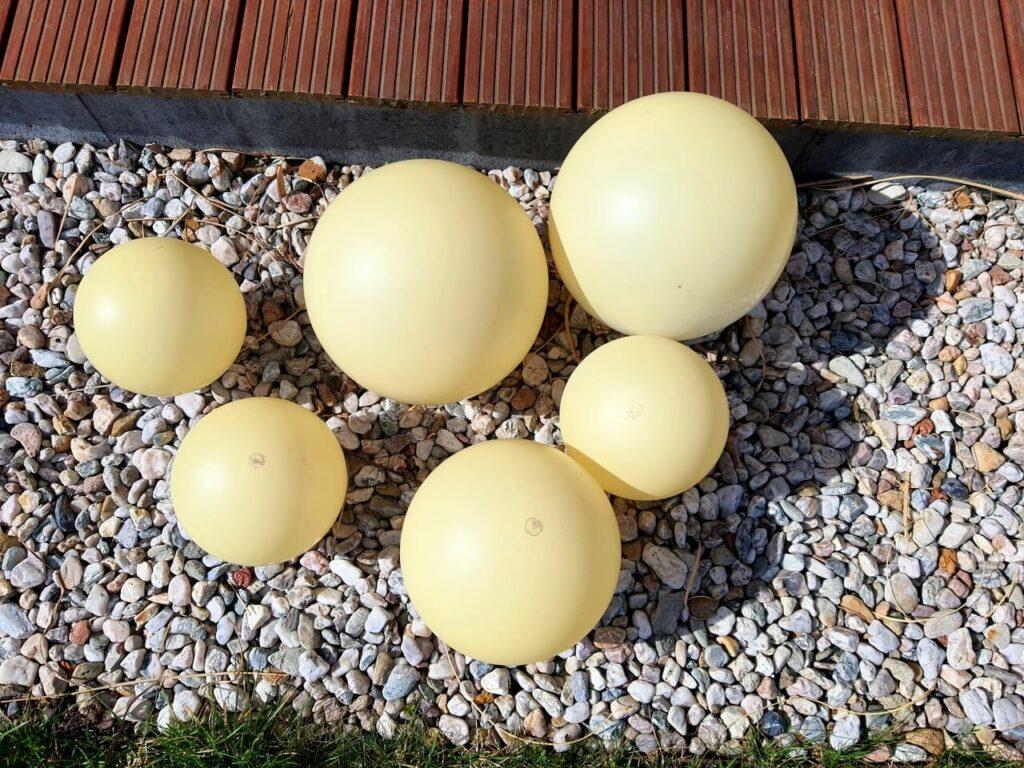 Verfärbte Kugel-Solarleuchten